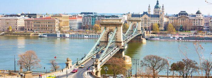 Tres días en Budapest. Peli o Manta. Puente de las cadenas