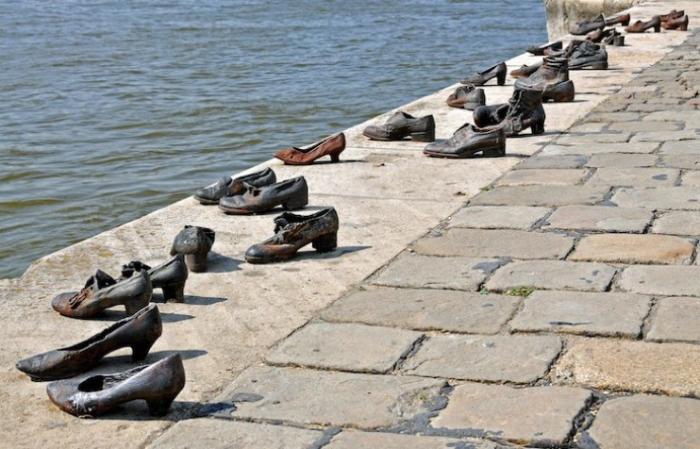 Tres días en Budapest. Peli o Manta. Zapatos Danubio