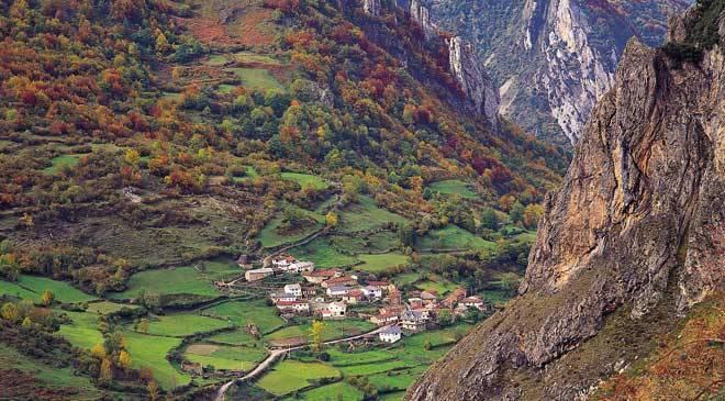 peli o manta. asturias. camino real del puerto de la mesa