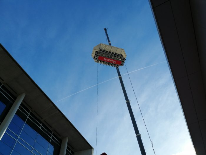 Peli o manta. Barcelona Games World. 50 metros altura