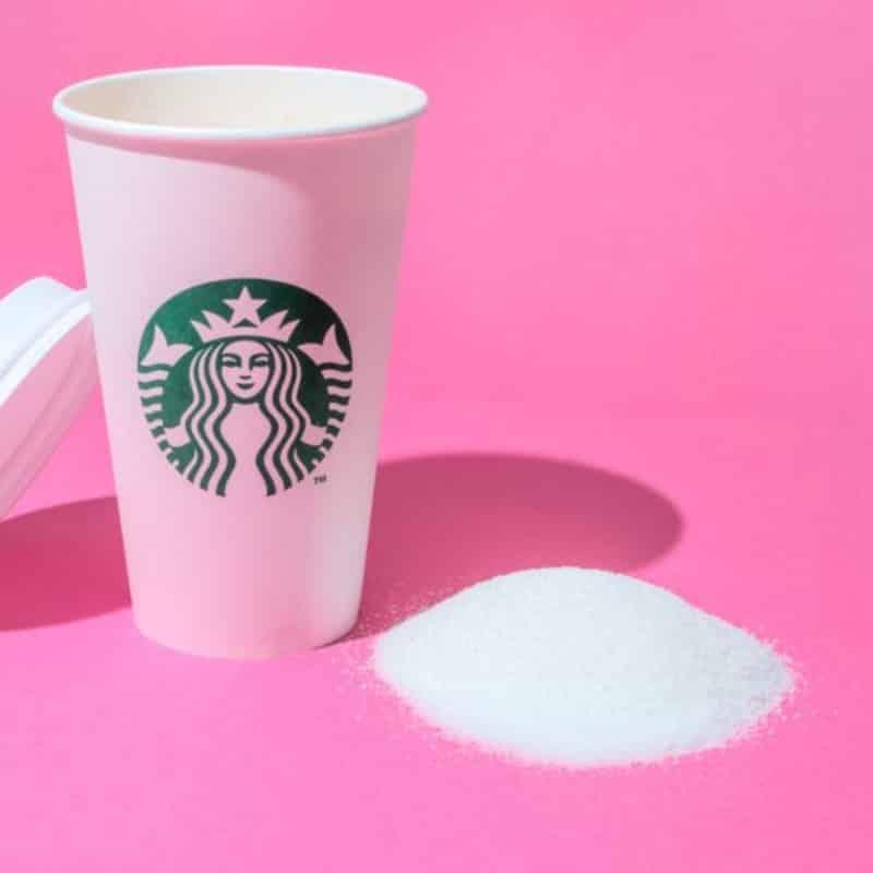 Starbucks y el trono de hierro. Peli o manta. Bastante, pero no una locura