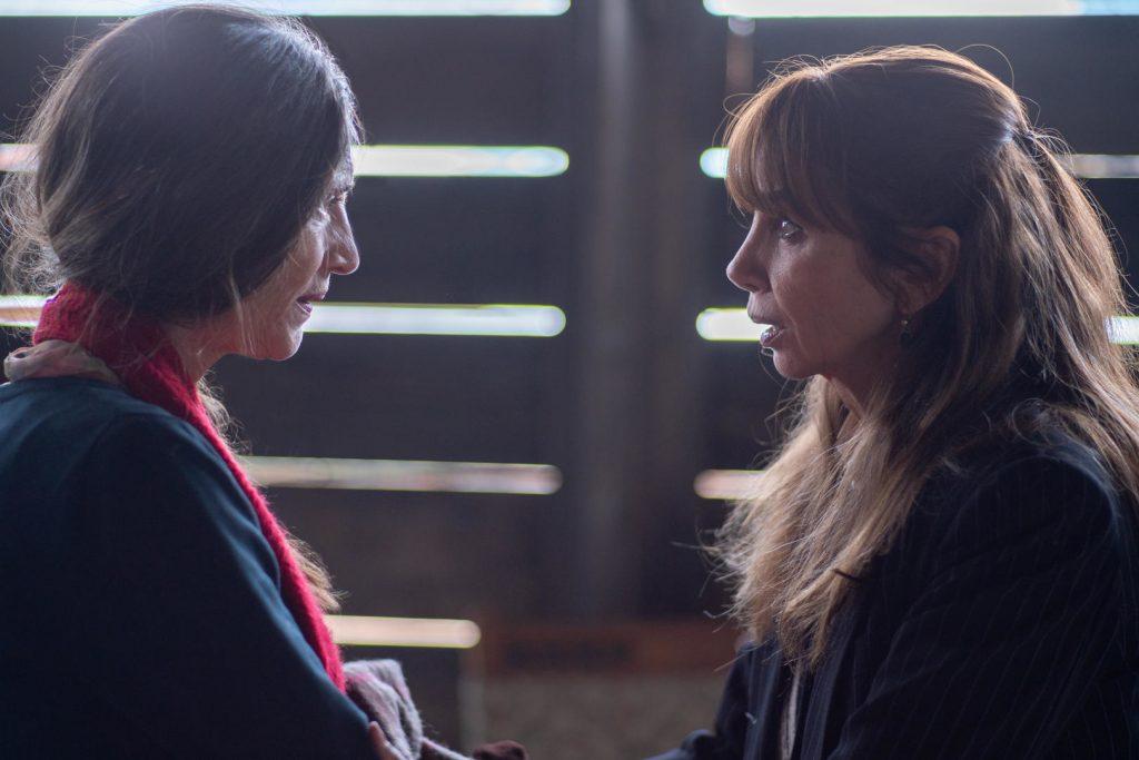 Peli o manta. Ángela Molina y Victoria Abril