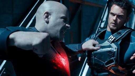 Peli o manta. Bloodshot. Sam y Diesel