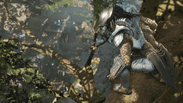 Ahí está el Predator subido a un árbol, esperando para reventar a alguien. Imagen para la review Predator Hunting Grounds de Peli o Manta