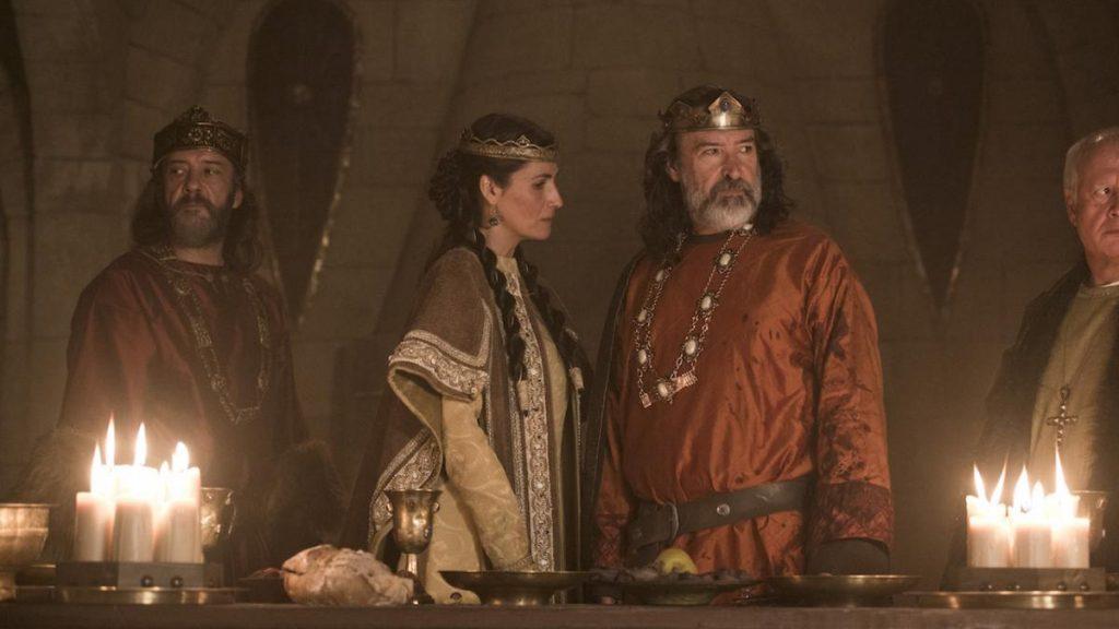 Una cena tensa entre hermanos reyes. Crítica El Cid.