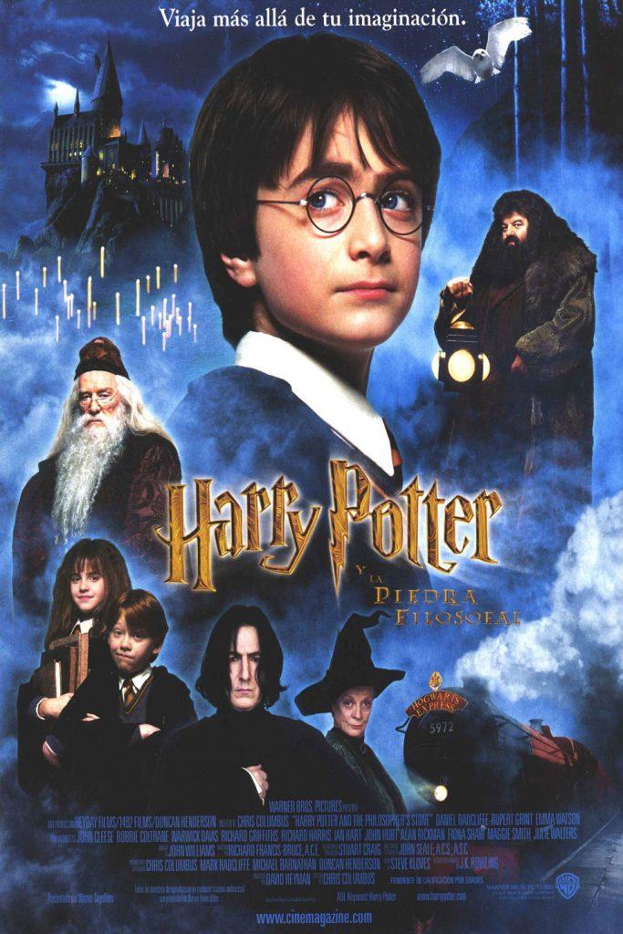 Puede verse el cartel de la película Harry Potter y la piedra filosofal, una de las películas de esta recopilación de películas navideñas.